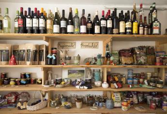 Hofladen mit Lebensmitteln im Ferienhaus-Park Brennickenswerder.